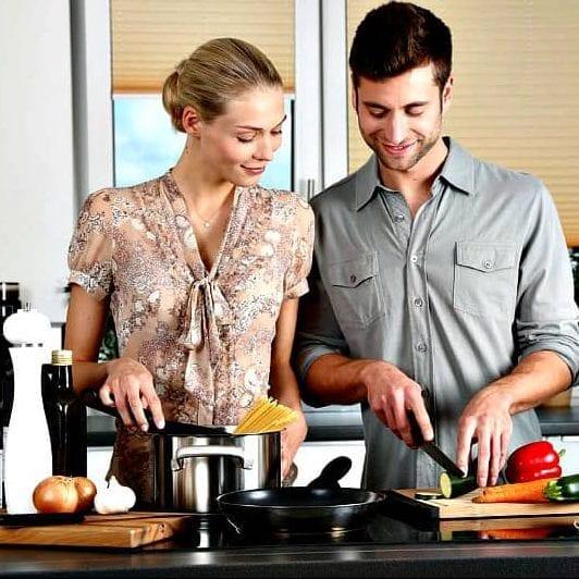Couple Cooking e1586020129975